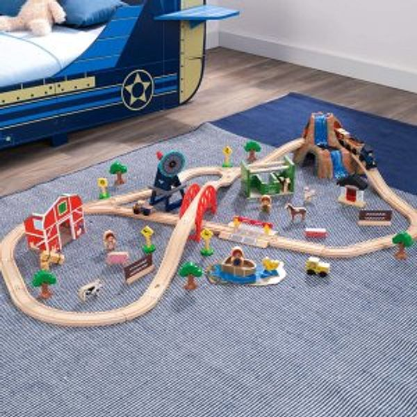Amazon KidKraft Farm Train Set