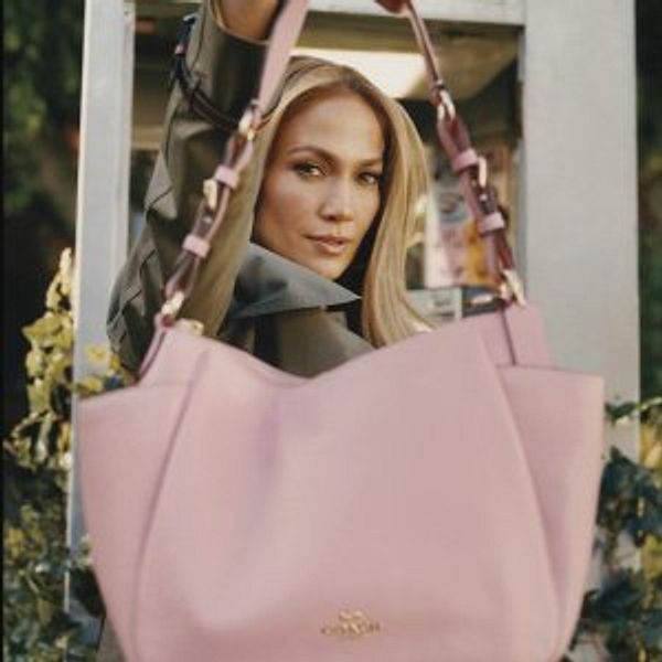 COACH Outlet Go Gift For Mom Up to 70% Off + Free Shipping