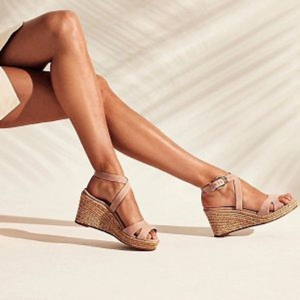 The Stuart Weitzman Outlet Plan for your summer getaway