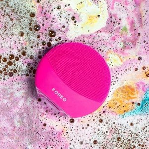 FOREO LUNA Facial Cleansing Device Sale