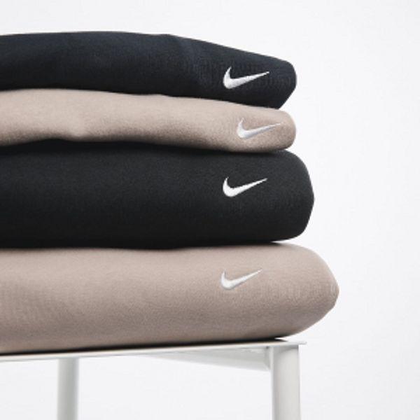 Nike Store Woman's Hoodies& Pullovers Sale